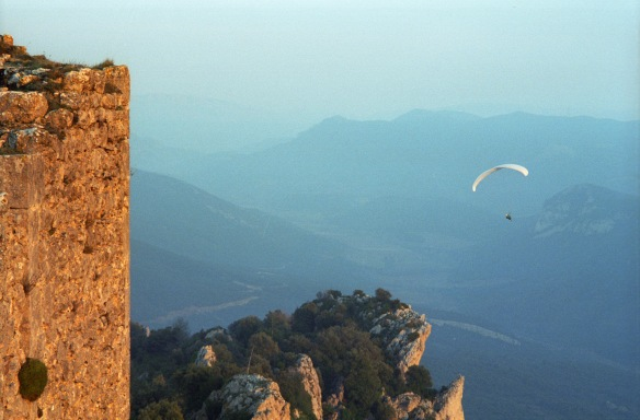 120 Soaring around Peyrepertuse 1996