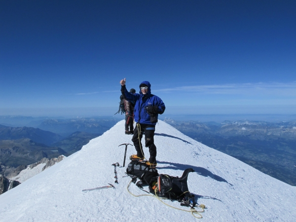 On the summit of Mont Blanc (4808 m), Sunday morning at 11.30 am. And somewhat surprised I made it!