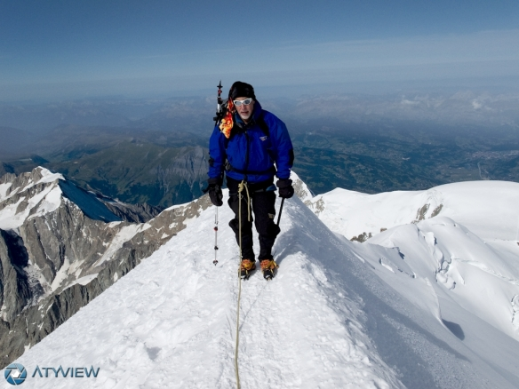On the summit of Mont Blanc (4808 m).